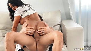 Latina with perfect forms, premium anal on the couch